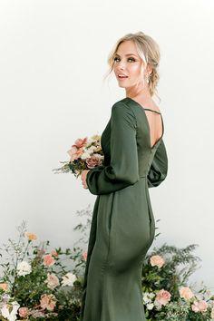 Garden Bridesmaids Dresses, Olive Green Bridesmaid Dresses, Classic Bridesmaids Dresses, Bridesmaid Dresses With Sleeves, Mob Dresses, Green Dress With Sleeves, Green Satin Dress, Green Long Sleeve Dress, Long Sleeve Chiffon Dress