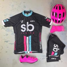 We don't want to burst your bubble, but you too could be pretty in pink had you gone #garneaucustom! Don't be so half a bubble off plumb and pop over! The @garneau design team is just bubbling with ideas to make your kit dreams come...