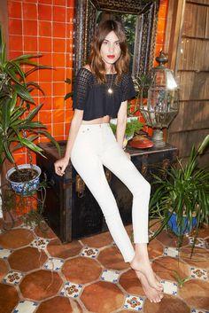 Alexa-Chung---AG-Jeans-Campaign--01.jpg (900×1349)