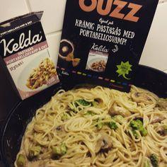 á la @keldasverige. I samarbete med buzzador fick jag äran att prova Kelda pastasås. #macrofriendly (120kcal/100g) & väldigt smakrik. Fräs LÖK broccoli och svamp i stekpanna medan bönpasta makaroner kokar. När kål mjuknat & champinjoner fått fin yta, häll över Kelda sås... Nästa gång blir lövbiff-gryta med såsen som bas, med sallad och potatis. #myrecipe #lågkalori