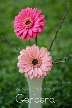 Crochet Gerbera Flower Pattern by Happy Patty Crochet // Crochet flower pattern for decor, arrangements and bouquets