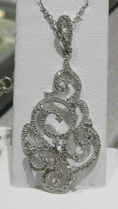 Girocollo e SPLENDIDO ciondolo oro 18 kt e diamanti!!! Drop Earrings, Jewelry, Gold, Jewlery, Jewerly, Schmuck, Drop Earring, Jewels, Jewelery