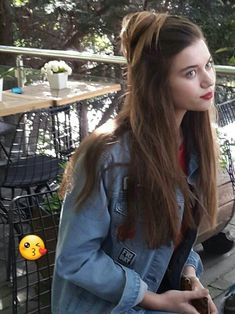 Afra Saraçoğlu Hottest Female Celebrities, Celebs, Ponytail Girl, Actrices Hollywood, Turkish Beauty, Turkish Actors, Actors & Actresses, Long Hair Styles, Chic