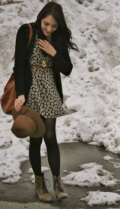 Awesome Winter Women Outfits Ideas With Flower - Formelle Kleider Floral Dress Outfits, Winter Dress Outfits, Casual Outfits, Fashion Outfits, Womens Fashion, Fashion Trends, Fashion Ideas, Unique Fashion, Diy Fashion