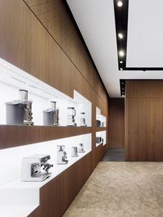 BORK flagship store by Ippolito Fleitz Group, Moscow Electronic Appliances, Electrical Appliances, Home Appliances, Visual Merchandising, Cool Retail, Best Interior, Interior Design, Home Appliance Store, Extension Designs