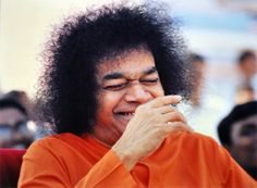 http://aravindb1982.hubpages.com/hub/The-rainbow-hues-of-Swamis-laughter-Sathya-Sai-Baba-Smile