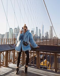 Say cheese!!! I just came home with nearly 50 #instax_de pictures and a head full of inspiration. My #fauxfur #jacket has been my partner in crime during the freezing days in #NYC . Advertisement/Werbung
