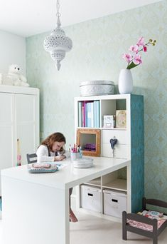 New craft storage table ikea hacks 62 ideas Kallax Desk, Ikea Expedit, Ikea Kura, Table Storage, Craft Storage, Girl Room, Girls Bedroom, Bedroom Desk, Kids Room Design