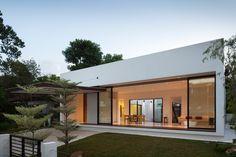Mandai Courtyard House / Atelier M+A