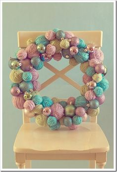 Christmas DIY yarn ball wreath
