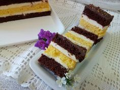 Hellena ...din bucataria mea...: Prajitura Televizor Krispie Treats, Rice Krispies, Dessert Recipes, Desserts, Tiramisu, Cake Decorating, Ethnic Recipes, Food, Sweets