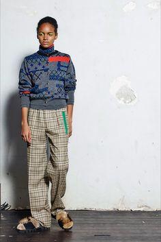Guarda la sfilata di moda Kolor a Parigi e scopri la collezione di abiti e accessori per la stagione Collezioni Autunno Inverno 2017-18.