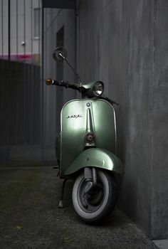 Vespa; what it needs to do is just standing there & being fabulous yet uniquely amazing..