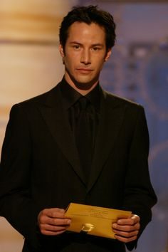 Keanu Reeves Photo - 61st Annual Golden Globes Awards - Show