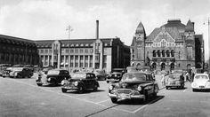 Helsingin Rautatientori oli ennen parkkipaikka. Map Pictures, Helsinki, Good Old, Time Travel, Nostalgia, The Past, Street View, Black And White, Places