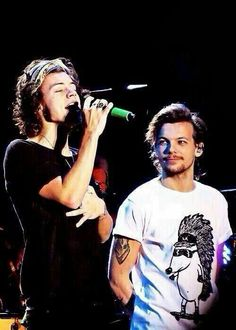 I: Even as young as you are? [Louis and Harry look at each other] Louis/Harry: Yes. I: Even as young as you are? [Louis and Harry look at each other] Louis/Harry: Yes. One Direction Fotos, Four One Direction, One Direction Pictures, Larry Stylinson, Louis Y Harry, Harry 1d, Foto One, Bad Boy, Larry Shippers