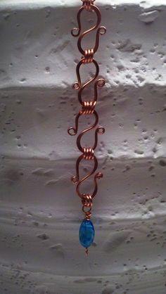 Copper bracelet with bead, S wire, handmade.