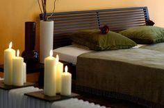 Самое лучшее освещение для спальни — это свечи. Но свечи, которые Вы покупаете, не должны содержать токсины.