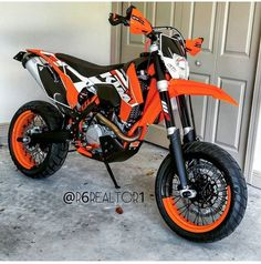 Ktm Dirt Bikes, Cool Dirt Bikes, Motorcycle Dirt Bike, Moto Bike, Bmx Bikes, Dirt Biking, Motorcycle Quotes, Ktm Supermoto, Ducati Hypermotard