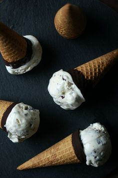 No-churn mint chocolate chip ice cream (no ice cream maker needed)