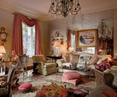 Mario Buatta beautiful living roomi in maisonette formerly owned by Sister Parish. | Decor It Darling