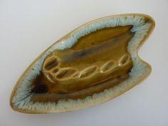 Items similar to Vintage Art Pottery Ashtray - Made in USA - Retro Home Decor on Etsy Vintage Dishes, Vintage Art, Cappuccino Mugs, Thrifty Decor, Pottery Classes, Diy Molding, Retro Home Decor, Handmade Pottery, Pottery Art