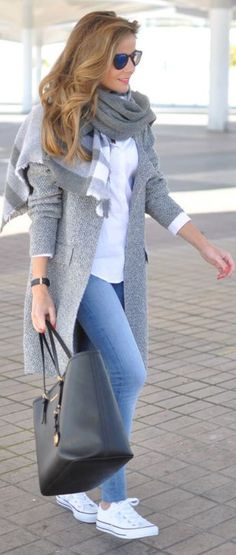 The Most Popular Genious Street Style Ideas To Try Right Now plaid scarf + black bag casual outfit idea / 2016 fashion trends Look Fashion, Fashion Clothes, Street Fashion, Winter Fashion, Fashion Outfits, Fashion Trends, Travel Outfits, Womens Fashion, Fasion