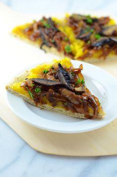 acorn squash & caramelized onion pizza   vegan