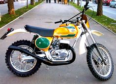 Moto Enduro, Enduro Motorcycle, Motocross Bikes, Motorcycle Art, Scrambler, Bultaco Motorcycles, Cool Motorcycles, Vintage Motorcycles, Choppers