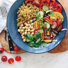 Sick of brown rice? Whip up this high-fiber Late Summer Abundance Bowl made with sorghum. #healthyrecipes #recipes #fiber | everydayhealth.com