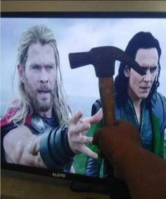 Marvel Avengers Movies, Avengers Cast, Loki Marvel, Avengers Memes, Marvel Actors, Funny Marvel Memes, Marvel Jokes, Funny Profile Pictures, Funny Photos