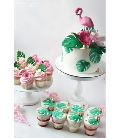 Baby Shower Tropical Theme Cake 43 Ideas For 2019 Tropical Cupcakes, Flamingo Cupcakes, Tropical Party, Luau Birthday, Flamingo Birthday, Flamingo Party, Cake Birthday, Hawaiian Birthday Cakes, Pool Cake