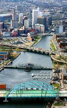 Rhode Island Facts on Largest Cities, Populations, Symbols - Worldatlas.com