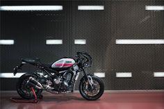 """A representar a mais recente estratégia da marca de Iwata para as suas motos Sport Heritage, e em parceria com a mítica Abarth, nasce uma nova """"MT-09 Faster sons""""."""