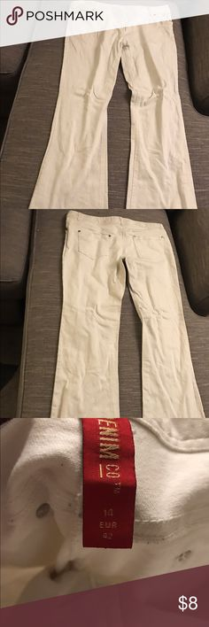 Nice white jeans. Uk size 14 ,usa size 12 Low rise white jeans. Worn once. Wider bottoms. Jeans Flare & Wide Leg