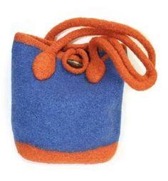Free Knitting Pattern 40647 Felted Tote : Lion Brand Yarn Company