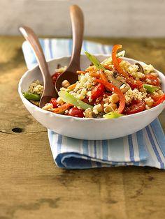 Fitness-Salat mit Möhren, Champignons und Paprika