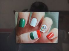 Uñas verde blanco y rojo Convenience Store, Nails, Green Nail, Convinience Store, Finger Nails, Ongles, Nail, Nail Manicure