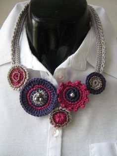 Crochet necklace- Circle