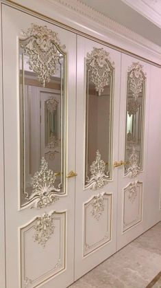 """Model """"Versailles"""". Finish: white enamel and gold potal. Baroque style oak door by Stavros. Interior doors designed in this direction are ideal for connoisseurs of luxurious palace interiors. Today """"Stavros"""" is a serious, technically equipped production with a large fleet of modern equipment! Detailed detailing of decorative elements, clarity of plasticity and filling of products with life is achieved by our craftsmen manually, just like many years ago. Door Design Interior, Home Room Design, Living Room Designs, Interior Doors, Palace Interior, Bedroom False Ceiling Design, House Front Design, Luxury Homes Interior, Luxurious Bedrooms"""