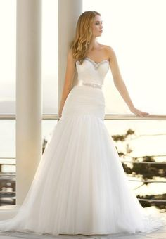 stunning wedding dress with bling if only it wasn't a mermaid style...!