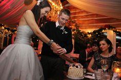 Cake cutting Rainy Wedding, Cake, Beauty, Dresses, Fashion, Pie Cake, Beleza, Gowns, Moda