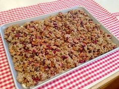 """HOW TO MAKE YOUR OWN """"HIGHLY ADDICTING"""" GRANOLA CLUSTERS."""