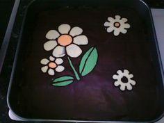 Tarta de galletas decorada con chocolate