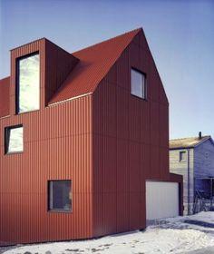 56 Exterior Design Ideas of Rural Houses for Spring Metal Facade, Metal Siding, Fibre Cement Cladding, Metal Cladding, Building A Container Home, Container House Plans, Cargo Container, Rural House, My House