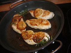 Hühnerbrust mit Zitrone und Rosmarin