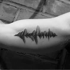 Sound wave tattoo of bff laughing. Inner Forearm Tattoo, Spine Tattoos, Hot Tattoos, Body Art Tattoos, Sleeve Tattoos, Tattoos For Guys, Tatoos, Meaning Full Tattoos, Sound Wave Tattoo