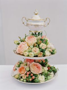 Elegant golden sugar pot centerpiece