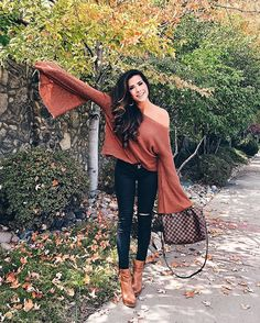 cute fall outfit idea - bell sleeved w/black jeans & boots Outfits for Teens Cute Fall Outfits, Edgy Outfits, Date Outfits, Winter Outfits, Holiday Outfits, Pop Fashion, Spring Fashion, Girl Fashion, Fashion Looks