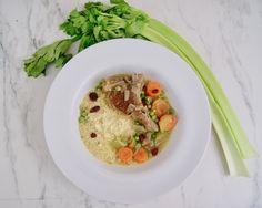 Couscous et côtelettes d'agneau Celerie Rave, Menu, Couscous, Thai Red Curry, Risotto, Ethnic Recipes, Food, Frozen Peas, Seasonal Recipe